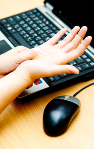 stock-photo-hand-pain-from-mouse-119595700